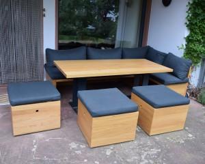 Loungebereich mit Esstisch / Eiche
