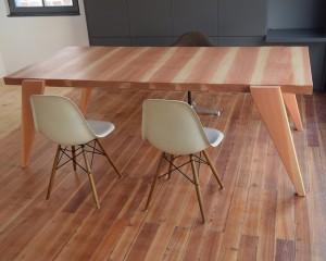 Schreibtisch / Douglasie