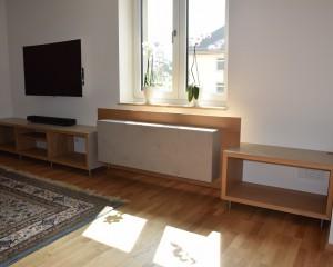 TV- Board mit Heizkörperverkleidung     Eiche/ Beton